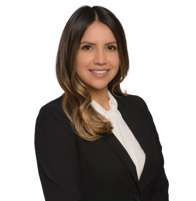 Gabriela Pérez, Nossaman LLP Photo